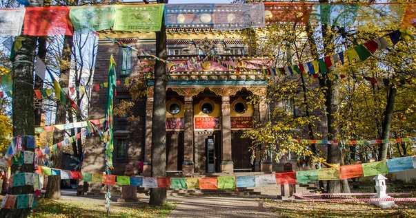 Буддийский храм Дацан Гунзэчойнэй в Санкт Петербурге СПБ