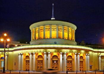 Площадь Восстания станция метро Санкт Петербург